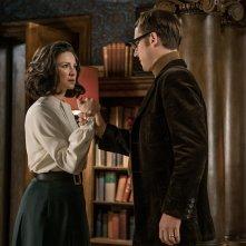 Outlander: Caitriona Balfe e Tobias Menzies in una foto della terza stagione