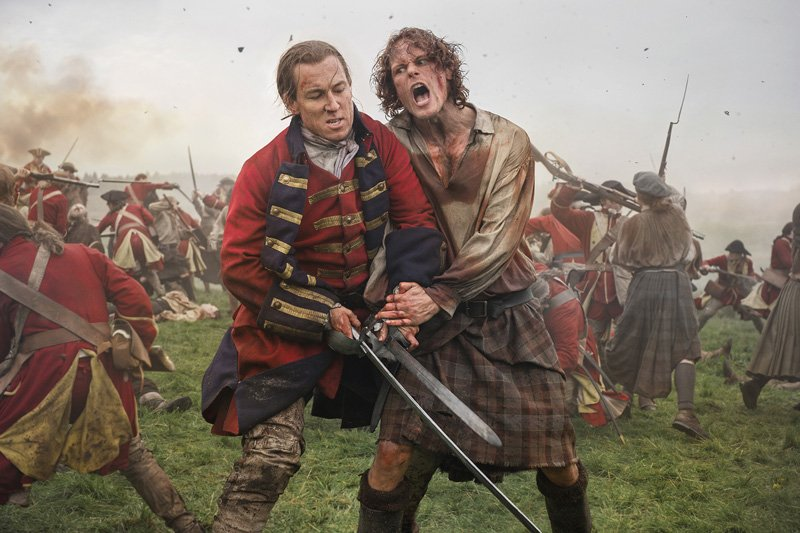 Tobias Menzies As Black Jack Randall Sam Heughan As Jamie Fraser 301