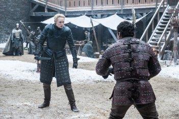 Il Trono di Spade: Gwendoline Christie in una foto di Dragonstone