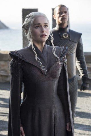 Il Trono di Spade: Emilia Clarke nell'episodio Dragonstone