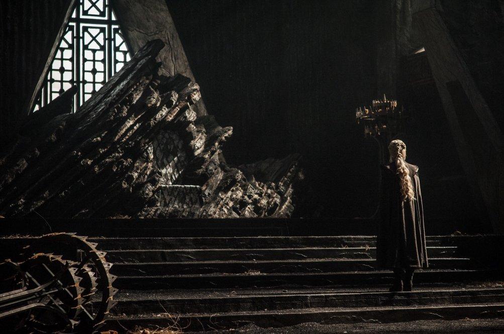 Il Trono di Spade: Daenerys in una foto di Dragonstone