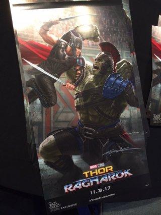 Thor: Ragnarok, un nuovo poster del film