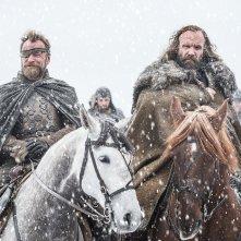 Il trono di spade: una scena della premiere della settima stagione con Richard Dormer e Rory McCann
