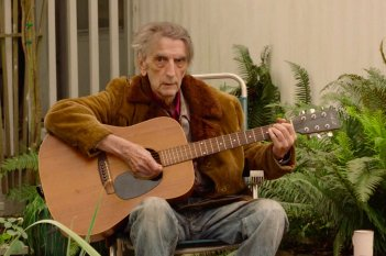 I segreti di Twin Peaks: Harry Dean Stanton con la chitarra