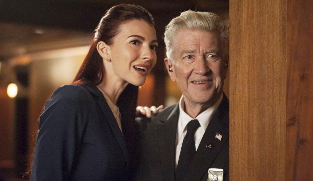 I segreti di Twin Peaks: Chrysta Bell  David Lynch in una scena