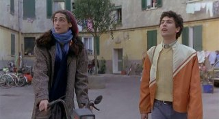 Ovosodo: Marco Cocci ed Edoardo Gabbriellini in una scena