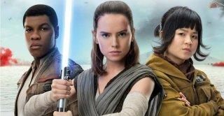 Star Wars: Gli Ultimi Jedi, John Boyega, Daisy Ridley e Kelly Marie Tran in una foto promozionale