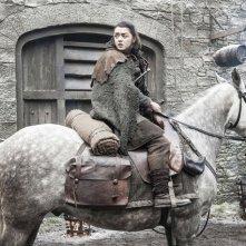 Il Trono di Spade: Maisie Williams nell'episodio Nata dalla Tempesta