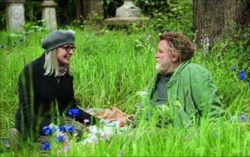 Appuntamento al parco: Diane Keaton e Brendan Gleeson in un momento del film