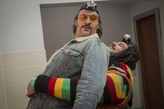 Brutti e cattivi: Marco D'Amore e Claudio Santamaria in una scena del film