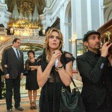 Ammore e Malavita: Carlo Buccirosso e Claudia Gerini in una scena del film