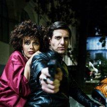 Ammore e Malavita: Giampaolo Morelli e Serena Rossi in una scena