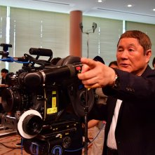 Outrage Coda: Takeshi Kitano sul set del film