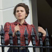 Howard's End: Hayley Atwell in una foto della miniserie