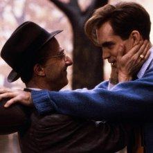 Morte di un commesso viaggiatore: Dustin Hoffman e John Malkovich in una scena del film