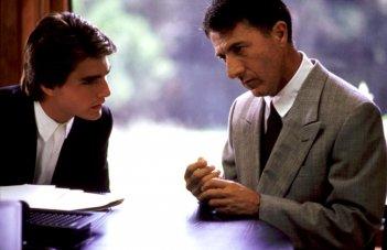 Rain Man - L'uomo della pioggia: Tom Cruise e Dustin Hoffman in una scena del film