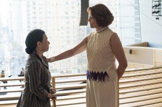The Defenders: Wai Ching Ho e Sigourney Weaver in una scena della prima stagione