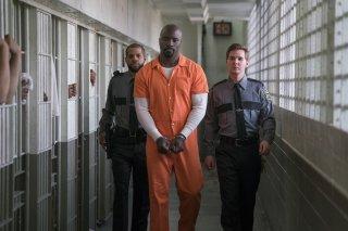 The Defenders: Mike Colter in una scena della prima stagione