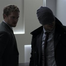 The Defenders: Finn Jones e Charlie Cox in una scena
