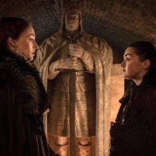 Il trono di spade: Sansa e Arya in una scena di The Spoils of War