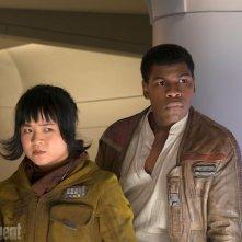 Star Wars: Gli ultimi Jedi, una foto di Rose e Finn