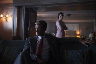 The Crown: una foto della seconda stagione con Matt Smith e Claire Foy