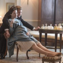 The Crown: una foto dei protagonisti Claire Foy e Matt Smith