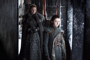 Il Trono di Spade: Sophie Turner e Maisie Williams in Oltre la Barriera