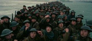 Dunkirk: una sequenza del film