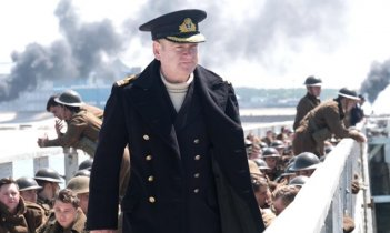 Dunkirk: Kenneth Branagh in una scena del film