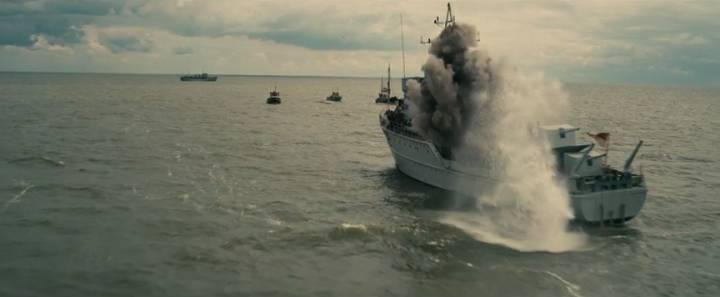 Dunkirk: una scena di battaglia nel film