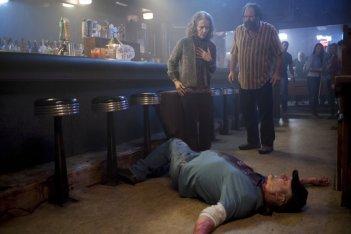 I segreti di Twin Peaks: Grace Zabriskie in una scena cruenta dell'episodio 14
