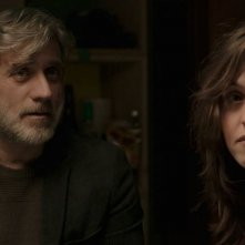 Foxtrot: Lior Ashkenazi e Sarah Adler in una scena del film