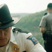 Tre manifesti a Ebbing, Missouri: Woody Harrelson e Sam Rockwell in un'immagine del film