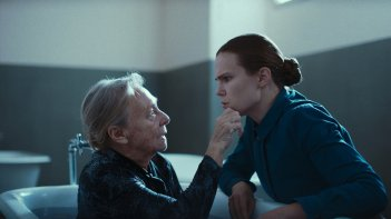 Dove cadono le ombre: Federica Rossellini ed Elena Cotta in una scena del film