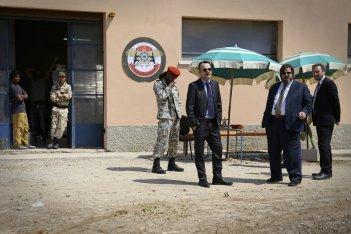 L'ordine delle cose: Paolo Pierobon, Giuseppe Battiston e Olivier Rabourdin in una scena del film