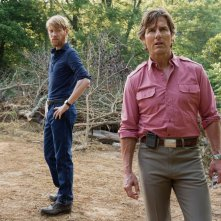 Barry Seal - Una storia americana: Tom Cruise e Domhnall Gleeson in una scena del film