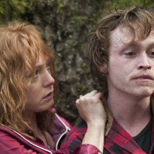 I segreti di Twin Peaks: Caleb Landry Jones e Alicia Witt in una scena
