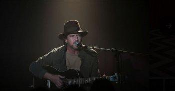 I segreti di Twin Peaks: Eddie Vedder canta al roadhouse