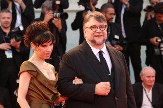 Venezia 2017: Sally Hawkins e Guillermo del Toro sul red carpet di The Shape of Water