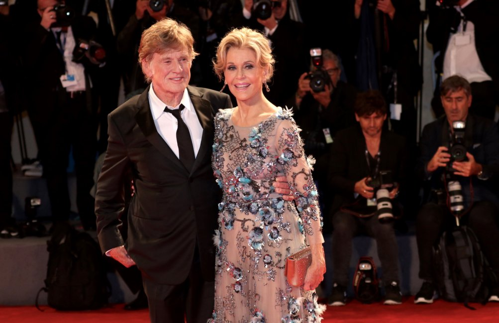 Venezia 2017: JAne Fonda e Robert Redford sul red carpet per il leone d'oro alla carriera