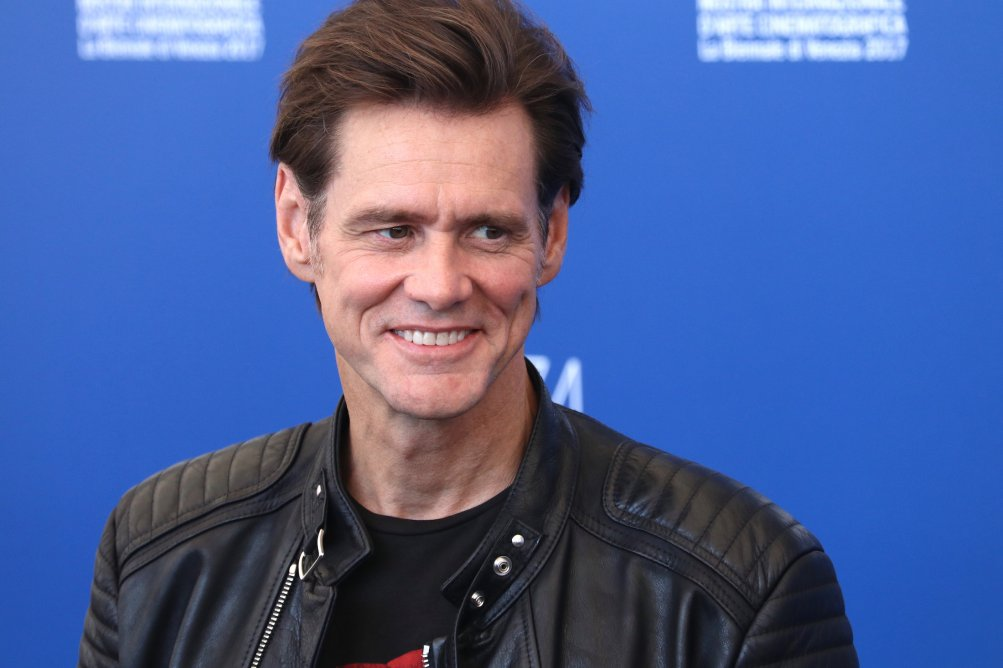 Venezia 2017: il sorridente Jim Carrey al photocall di Jim & Andy: The Great Beyond.