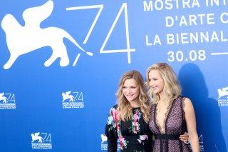 Venezia 2017: Michelle Pfeiffer e Jennifer Lawrence al photocall di Madre!