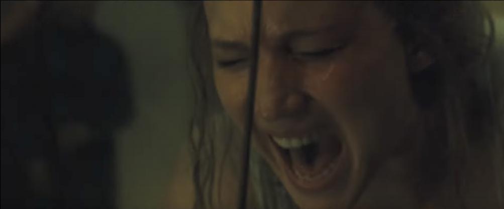 Madre!: un primo piano di Jennifer Lawrence urlante