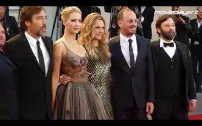 Jennifer Lawrence, Michelle Pfeiffer e Javier Bardem sul tappeto rosso di Madre! a Venezia 2017
