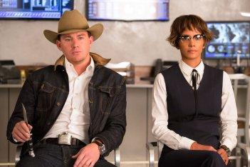 Kingsman: Il cerchio d'oro, Channing Tatum e Halle Berry in una scena del film