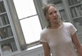 Madre!: Jennifer Lawrence in un momento del film