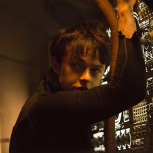 Valerian e la città dei mille pianeti: Dane DeHaan in una scena del film