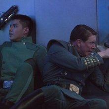 Valerian e la città dei mille pianeti: Kris Wu e Sam Spruell in una scena del film