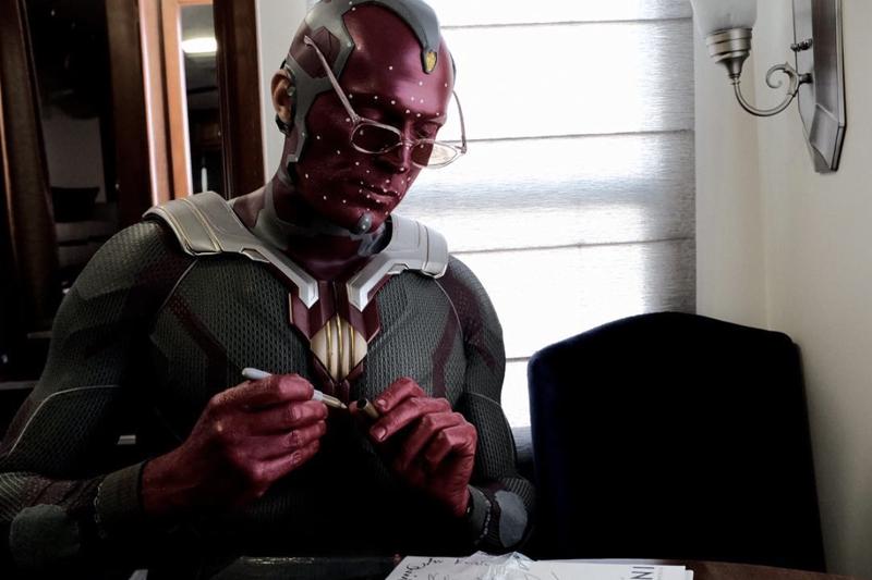 Avengers 4: Visione in una foto dal set